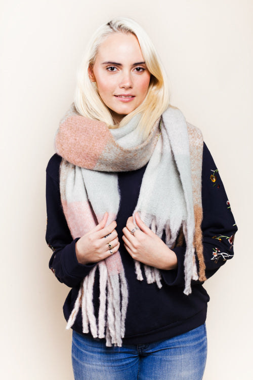Chunky Wooly Scarf - Sugar + Style