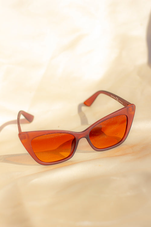 Wide Classic Cat Eye Sunglasses