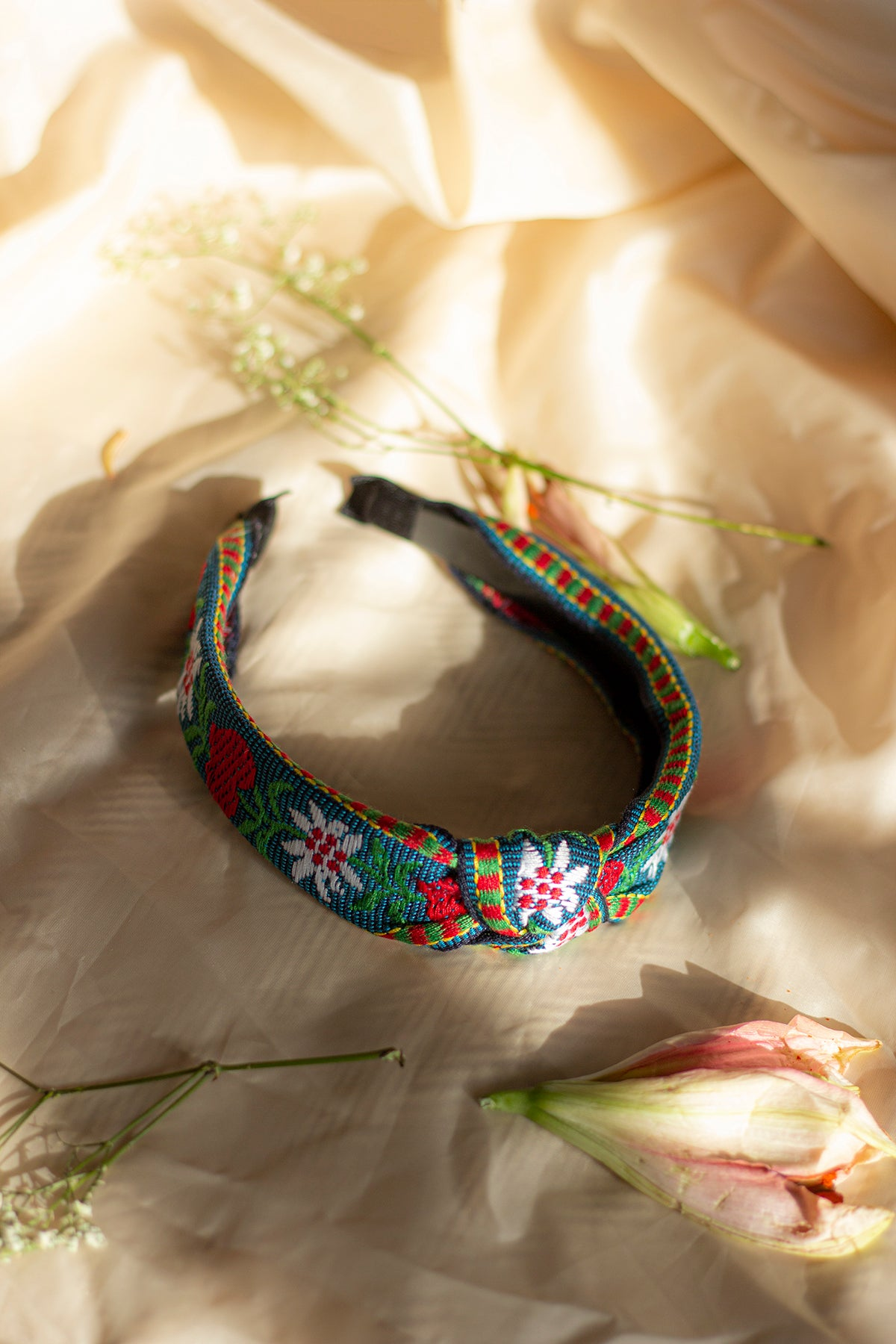 Embroidered Heart Floral Motif Knot Headband - Sugar + Style