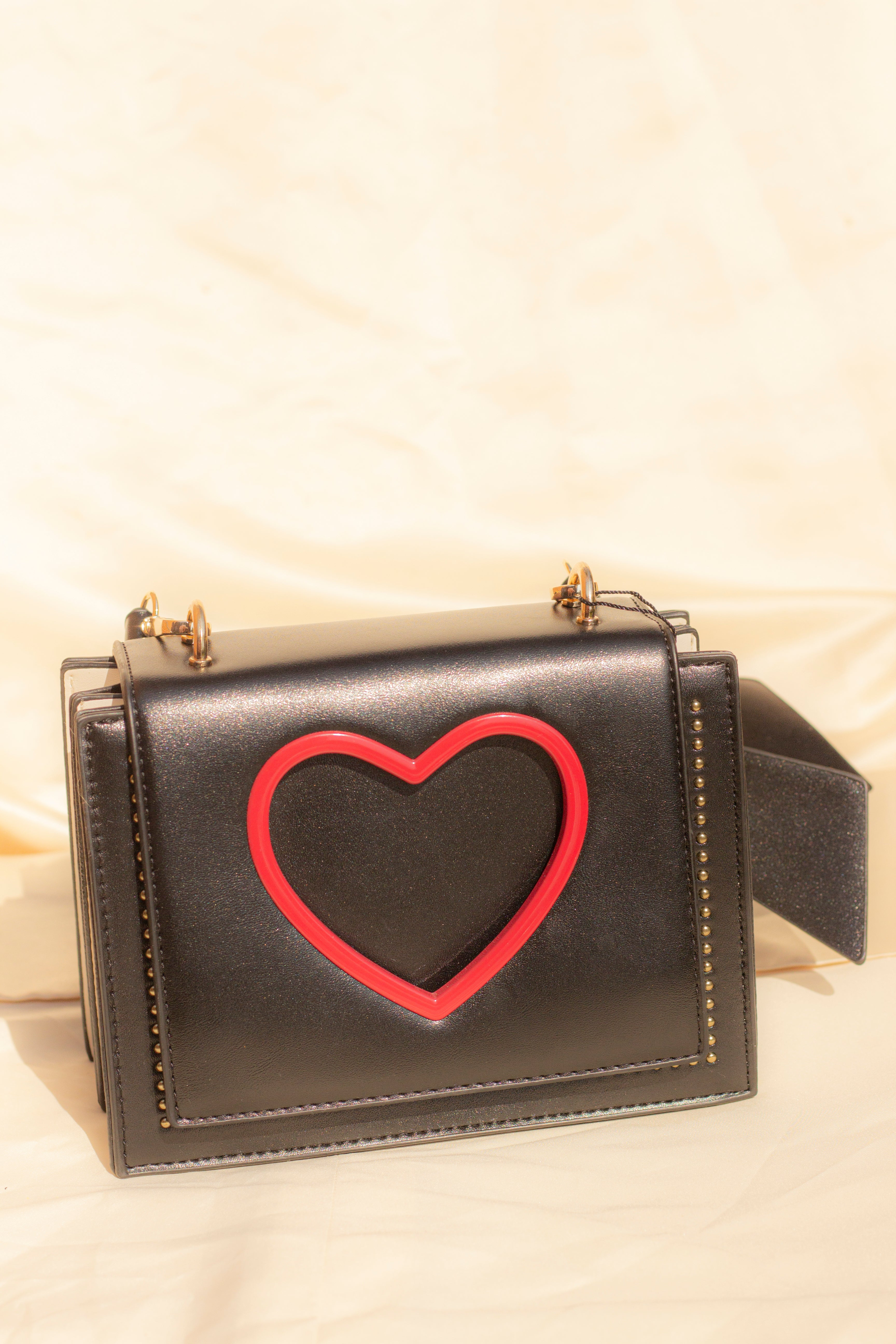 Heart Cut Out Side Satchel - Sugar + Style