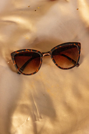 Supersize Cat Eye Sunglasses - Sugar + Style
