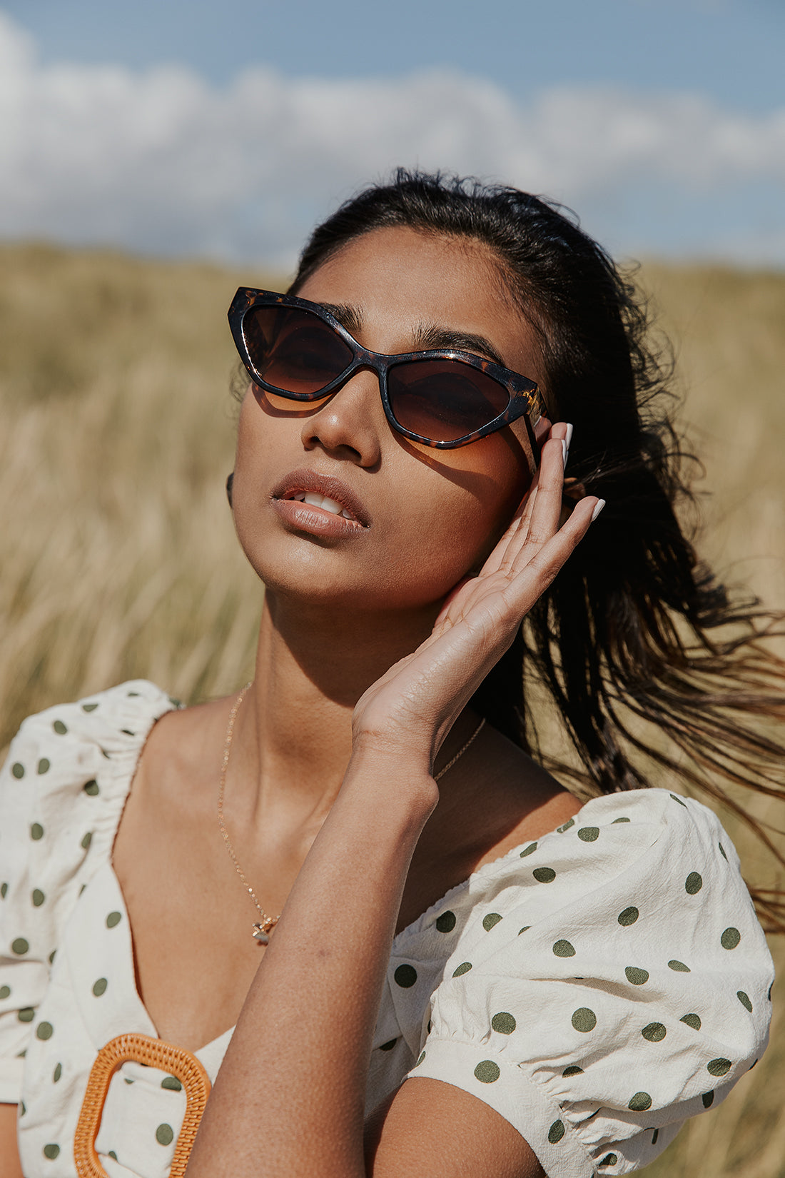 Thick Diamond Frame Sunglasses - Sugar + Style
