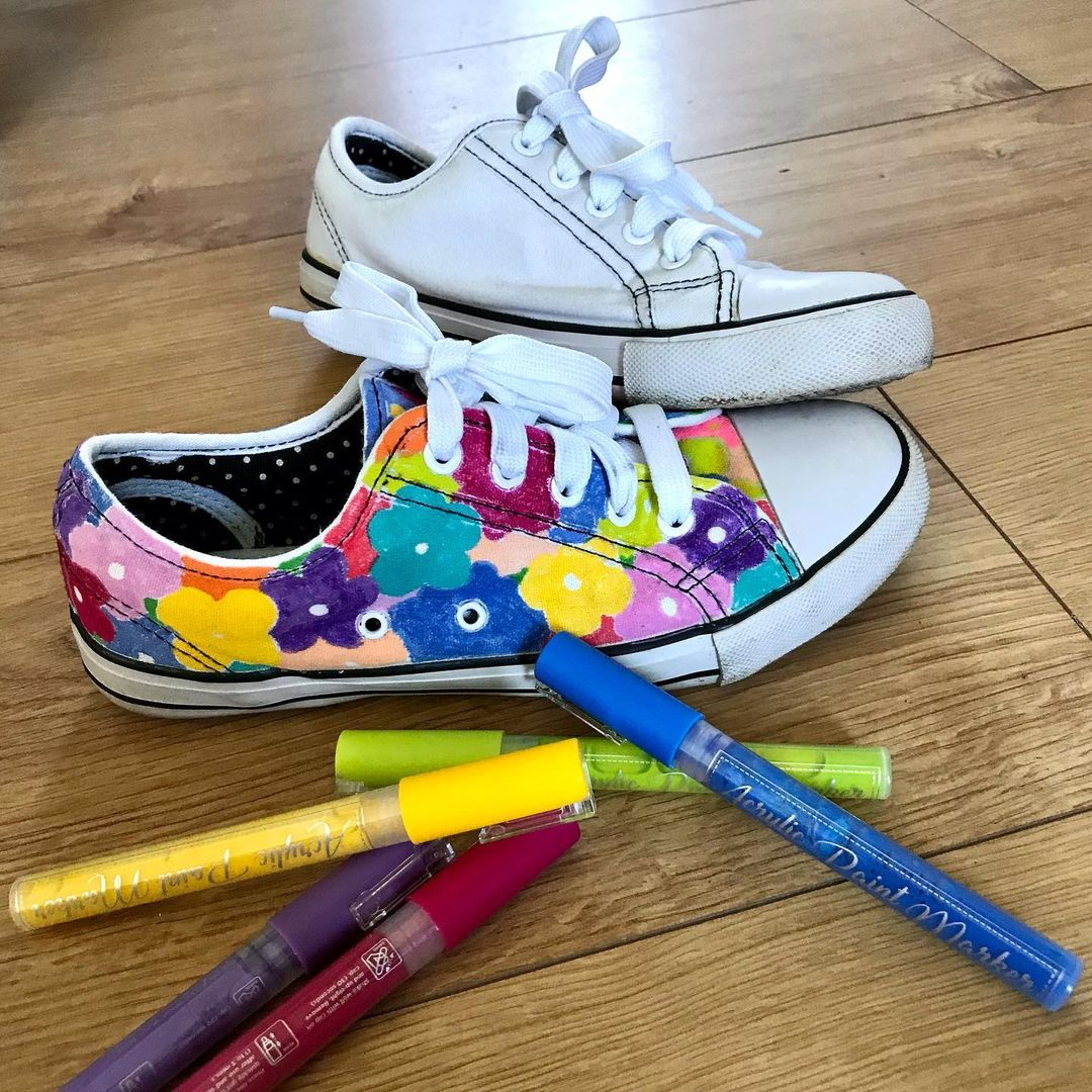 Wearable Acrylic Painting on Sneakers