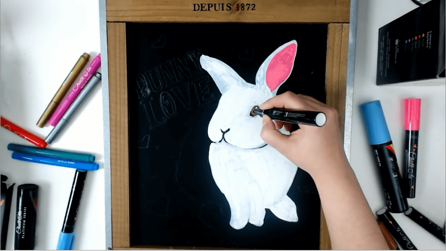 regular-sized chalk markers