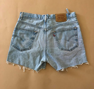 Vintage Levi Cut off Shorts 30