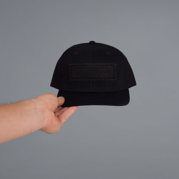 BOX CAP (BLACK/BLACK)