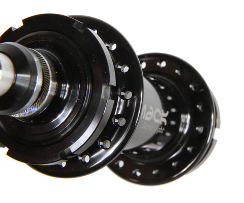 Mack Superlight low flange rear hub - black