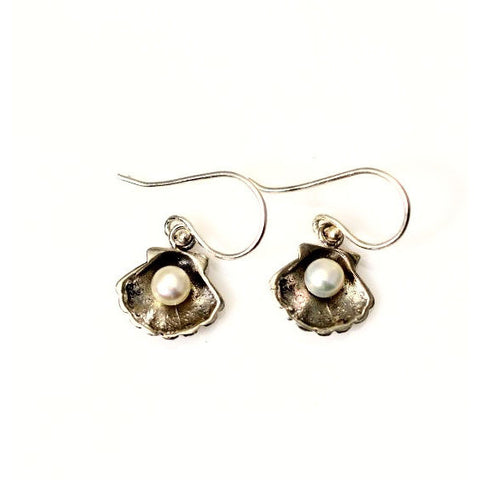 SILVER CLAM SHELL WITH PEARL EARRINGS - Side Street Studio