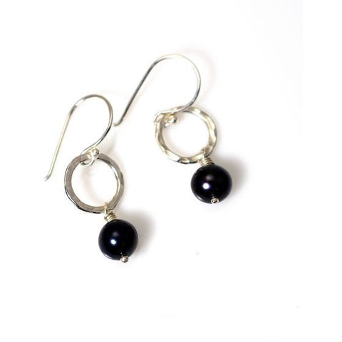 STERLING SILVER SMALL CIRCLE EARRINGS - BLACK FRESHWATER PEARL - Side Street Studio