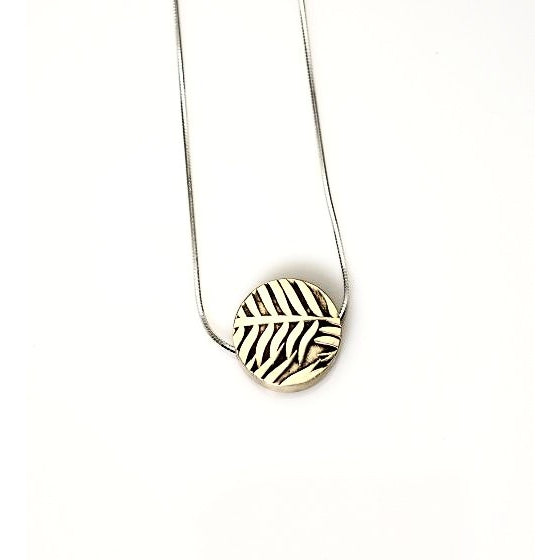 STERLING SILVER HOLLOW BUTTON LEAF PENDANT