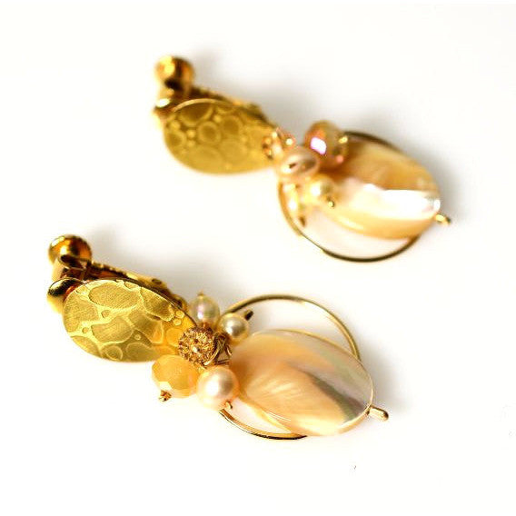 CHAMPAGNE CREAM CLIP ON EARRINGS - Side Street Studio