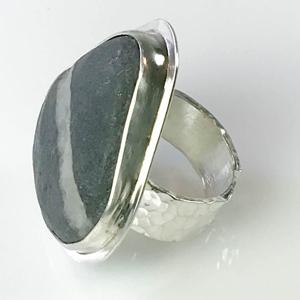 WHITE STRIPED BEACH STONE RING
