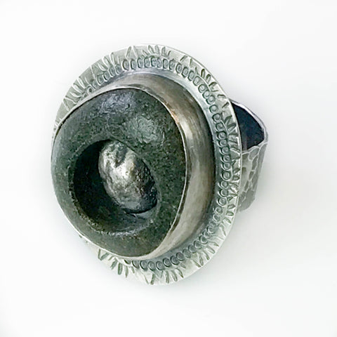 MAPLE BAY STONE RING WITH NUGGET INSERT