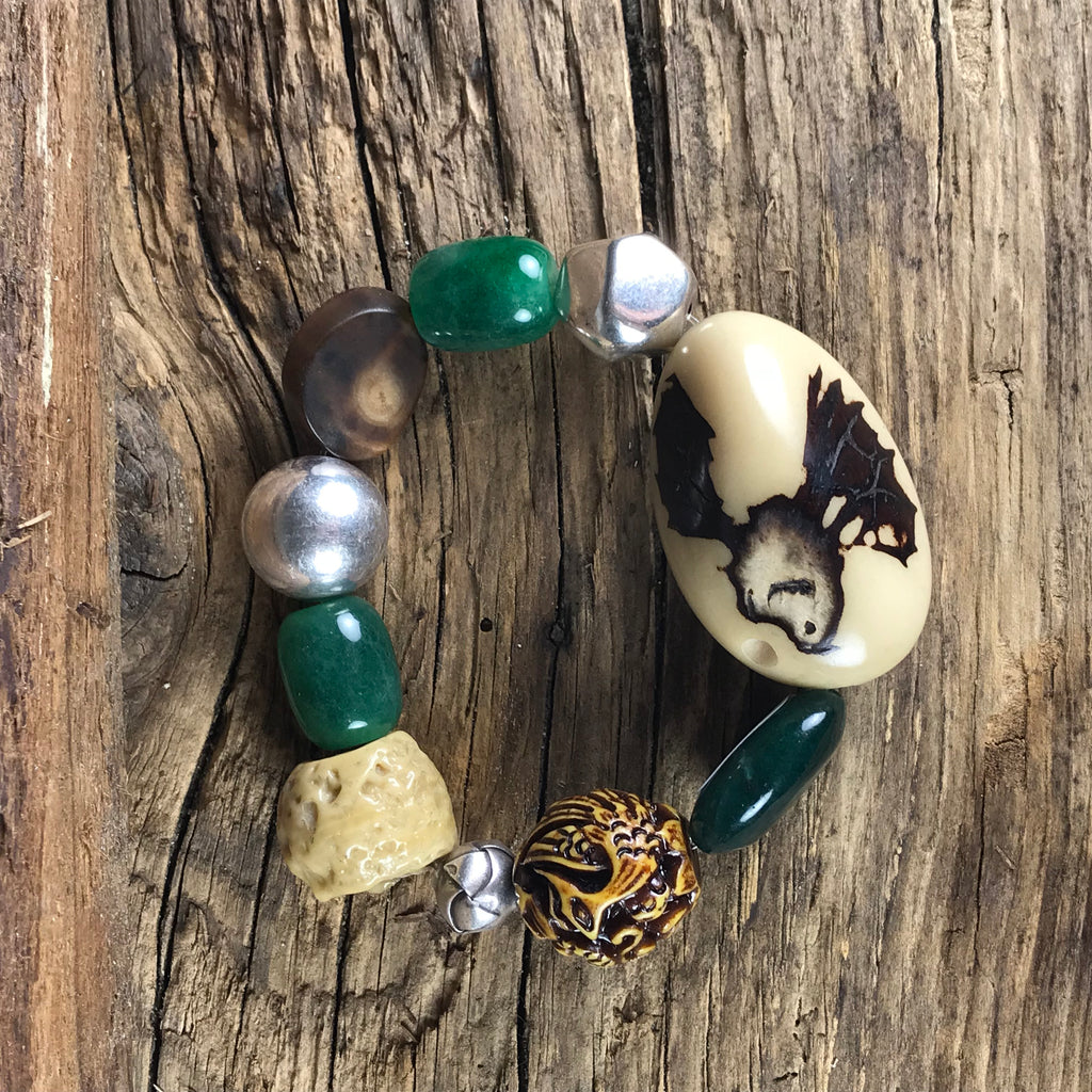 BRACELET - TAGO, NUT, JADE AND SILVER