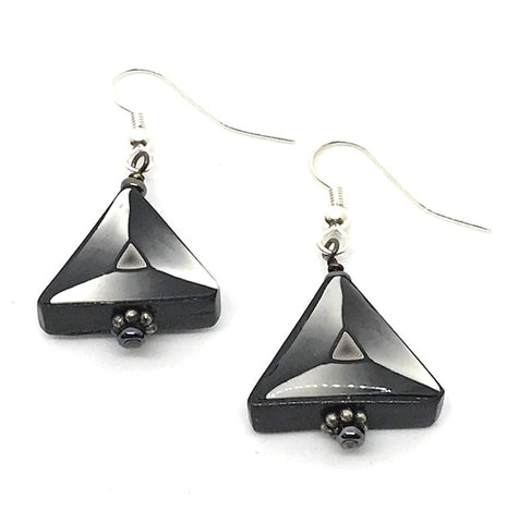 POLYMER CLAY EARRINGS - TRIANGLE - BLACK & WHITE WITH PEARL