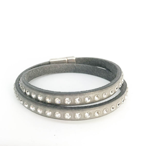 DOUBLE WRAP CRYSTAL STUD LEATHER BRACELET