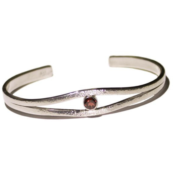 STERLING SILVER AND GARNET BRACELET - Side Street Studio