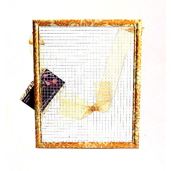 EARRING FRAME WITH BOW - Side Street Studio