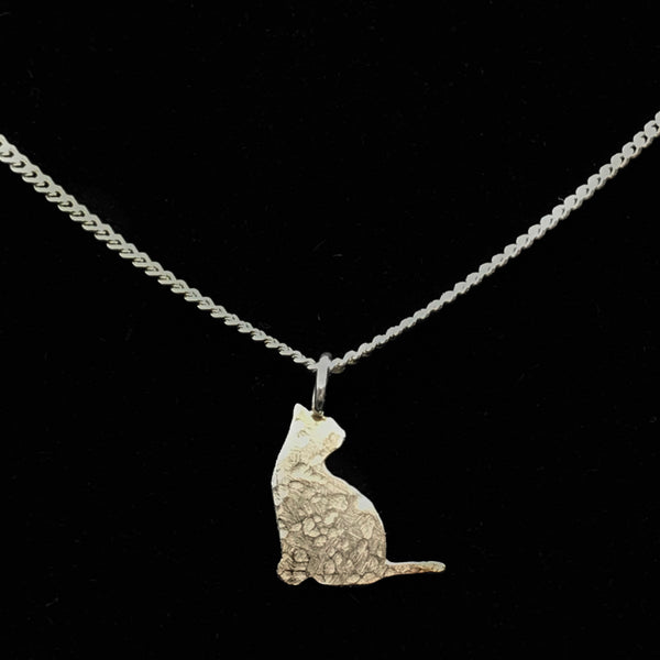 Sterling Silver Necklace with Smooth Cat Design