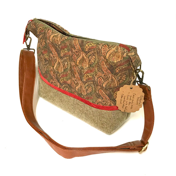 Vegan Purse in Printed Cork and Wool Design
