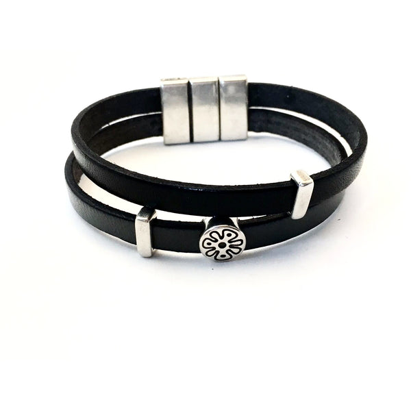 DOUBLE STRAND LEATHER WRIST WRAP
