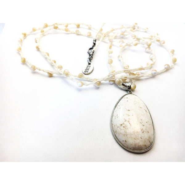 MOTHER OF PEARL AND MAGNESITE PENDANT NECKLACE