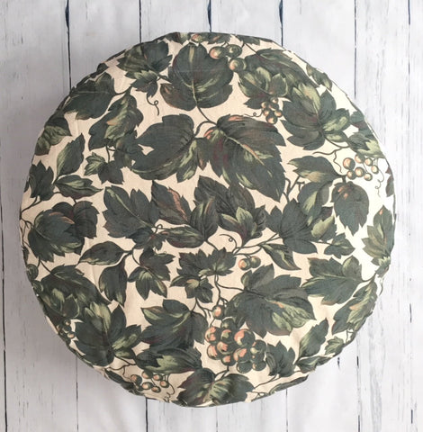 "24"" GRAPE VINES ROUND FLOOR POUF"