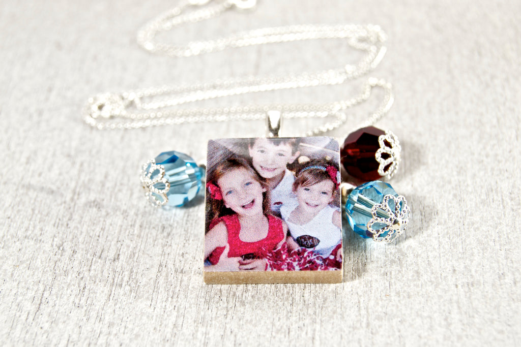 Personalized photo pendant - Wired Boutique