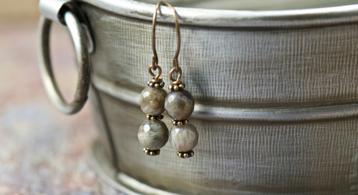 labradorite gemstones | bohemian jewelry for the free spirited momma