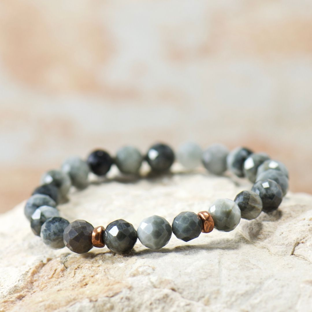 Simple Intentions Protector | Eagle Eye Quartz Gemstone Bracelet