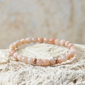 Mini Dreamer | Peach Moonstone Bracelet