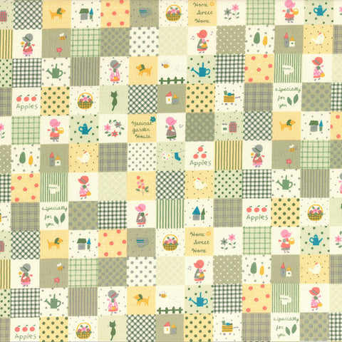 Little Heroines  Holly Hobby Squares Green