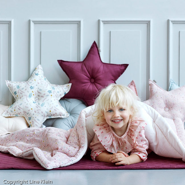 Star Cushion - Bordeaux