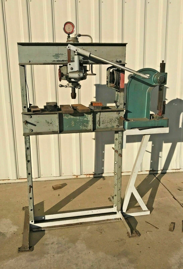 DAKE 25H Hand Operated 25 TON Hydraulic H-Frame Press With No. 3 Arbor Press