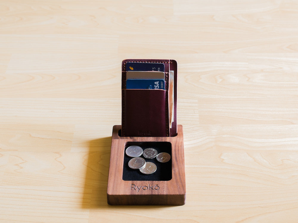 Hua Hin Wooden dock station for iPhone by Ryoko Bags. Made from walnut wood.