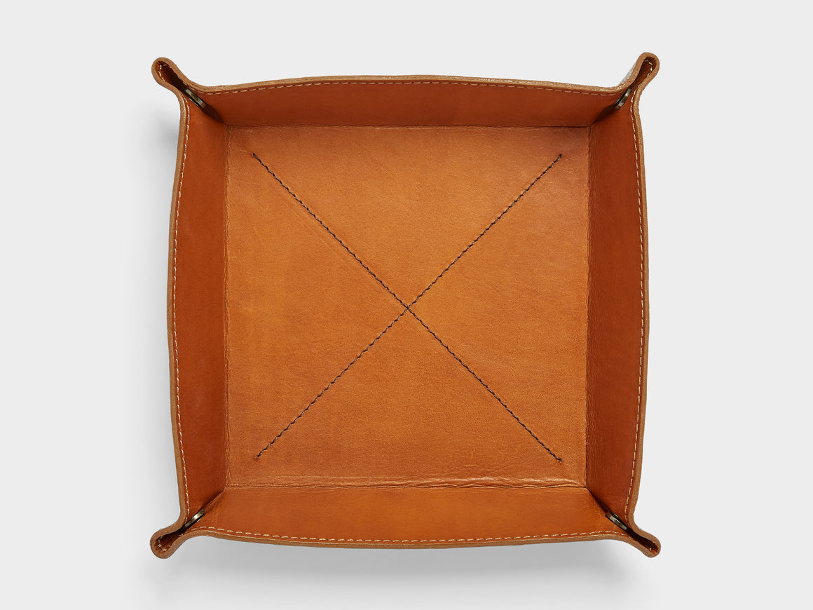 HELSINKI Leather Valet Tray, Wallets by Ryoko Bags Dubai. Hand Stitched, using vegetable tanned Japanese leather
