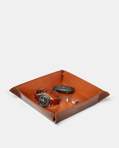MT Helsinki Valet Tray,  by Ryoko Bags Dubai. Hand Stitched, using vegetable tanned Japanese leather