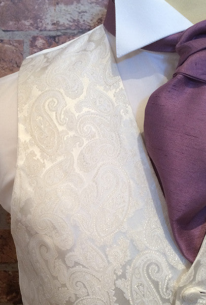 Ivory Bath with Amethyst Cravat