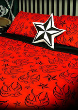 Stars & Swallows Red King Quilt Set