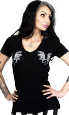 Luv Bat Web V Neck | T-SHIRT