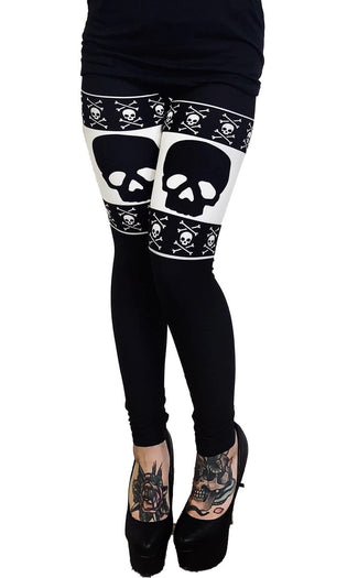 Skull & Bones Christmas Sweater | LEGGINGS