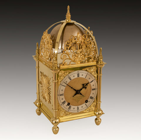 A GOOD QUALITY 17TH.C TASTE QUARTER STRIKING BRASS LANTERN CLOCK