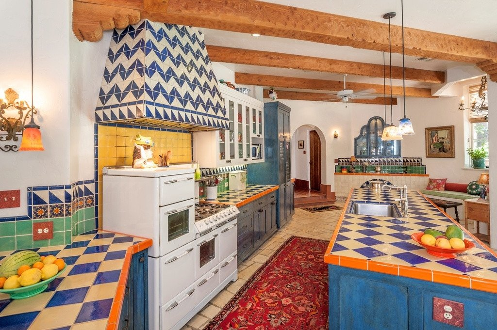 Decorative Ceramic Tiles for a Kitchen Wall