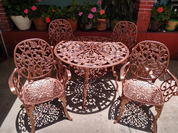 traditional patio dining set
