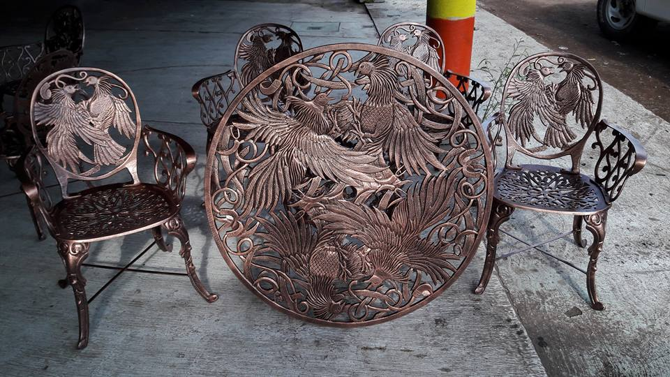 rooster patio dining set
