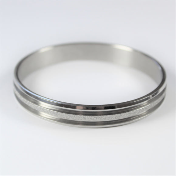 Stainless Steel Ridged Shimmer Bangle