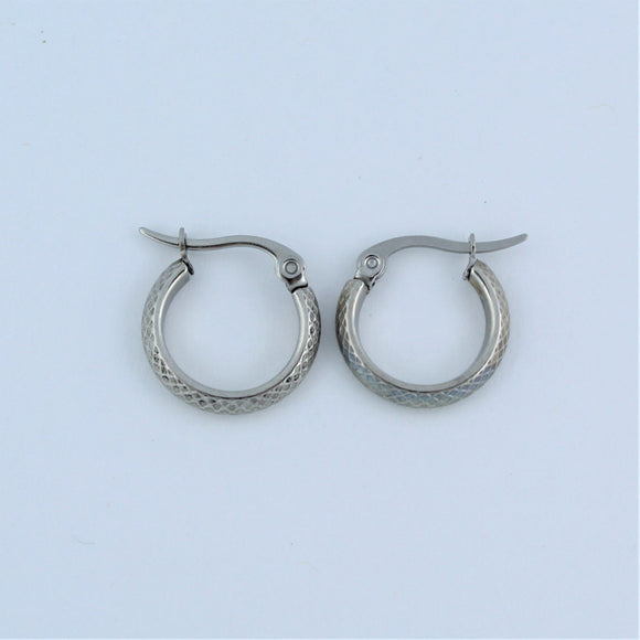Stainless Steel 15mm Criss Cross Hoop Earrings