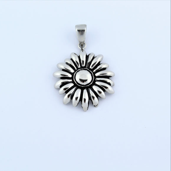 Stainless Steel Daisy Pendant