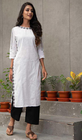 White Cotton Blend Casual Stylish Women Kurti Kurta