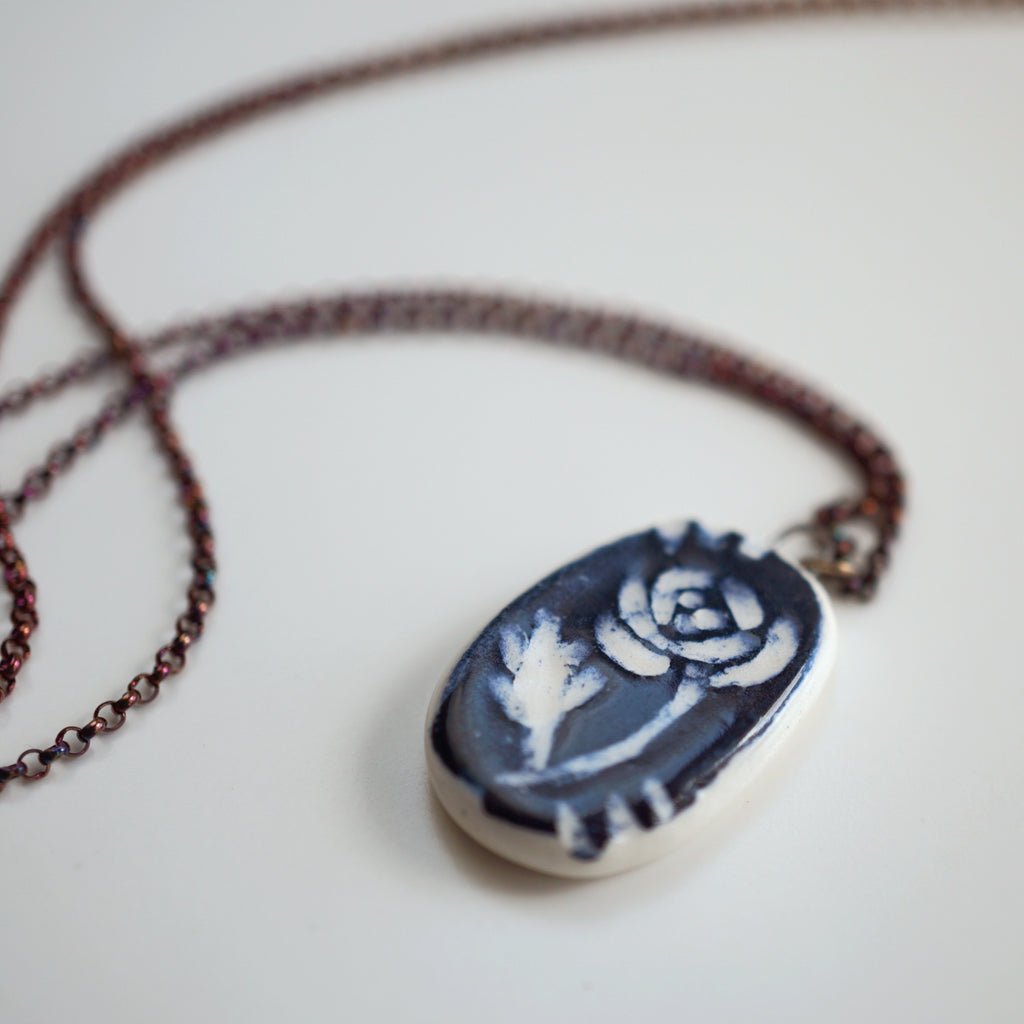 seconds sale- sgrafitto rose necklace